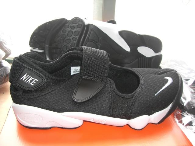 on sale 0750d 2bebc authentique Chaussures nike tn requin, Nike Air Rift (Ninja) pour Femme